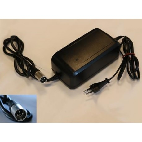 GIANT Energy Pack Charger 3 pin Giant 710000004